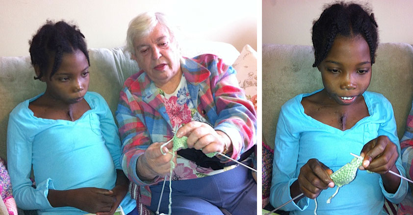Audrey Fiederlein showed Hermmy how to knit...only to discover that Hermmy already knew how to do this quite well.