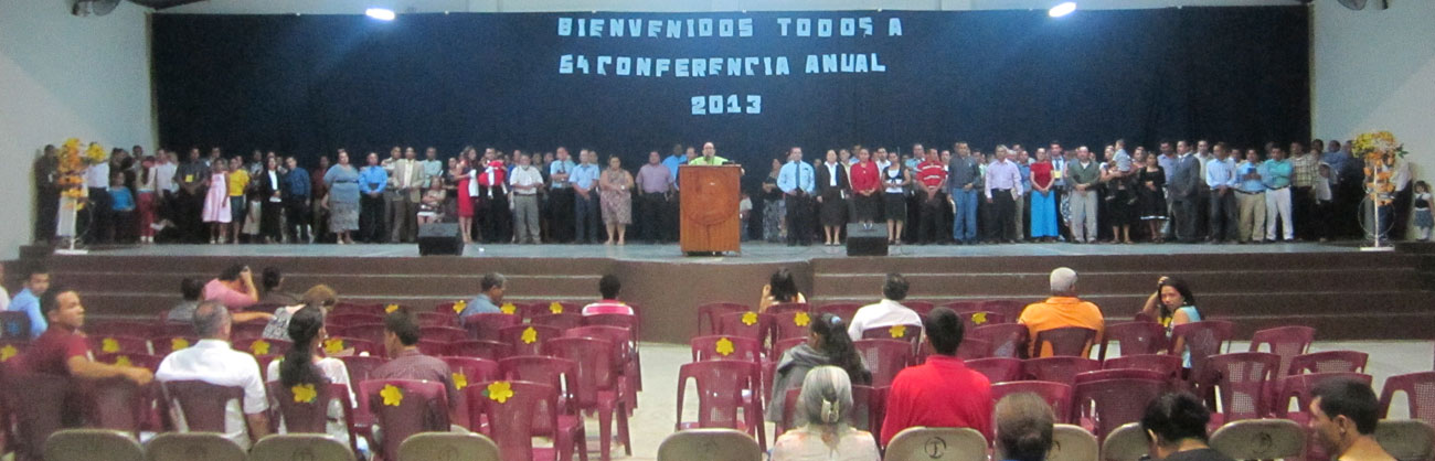 All of the pastors and spouses of Honduras Conference on the platform at the end of the meeting.