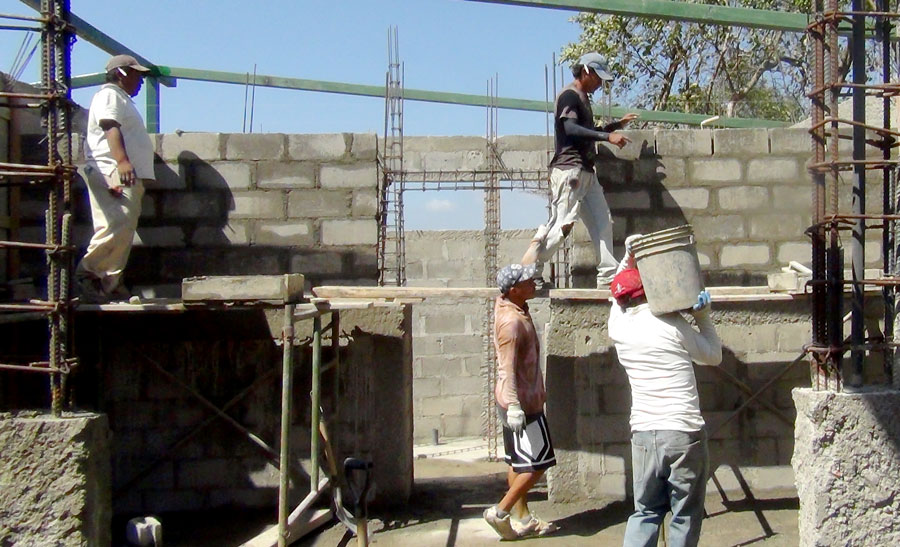 Work continues on the dormitory/training center in Masaya, Nicaragua.