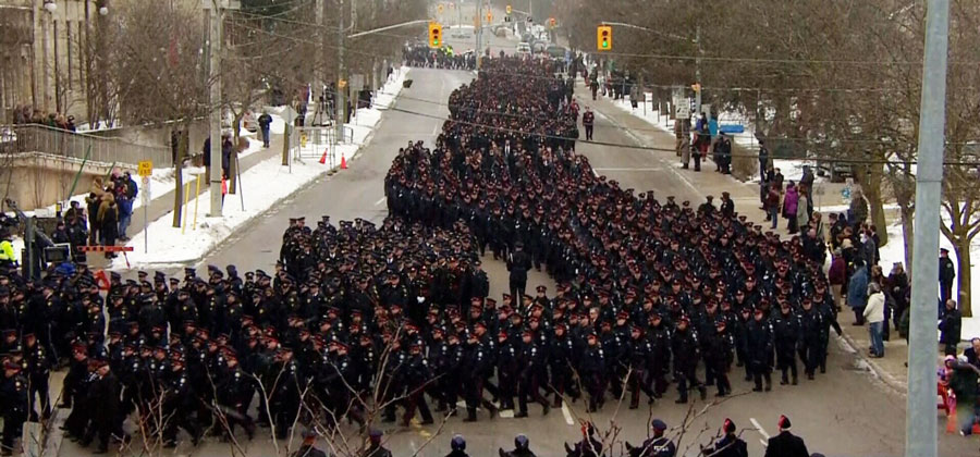Over 5000 police offers participated in the funeral procession.