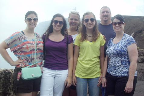 Criders team in Nicaragua. L-r: Marina Barnett, Justine Staniszewski, Baylee Keefer, Emily Stottlemyer, Chip Stottlemyer, Jody Barnett.