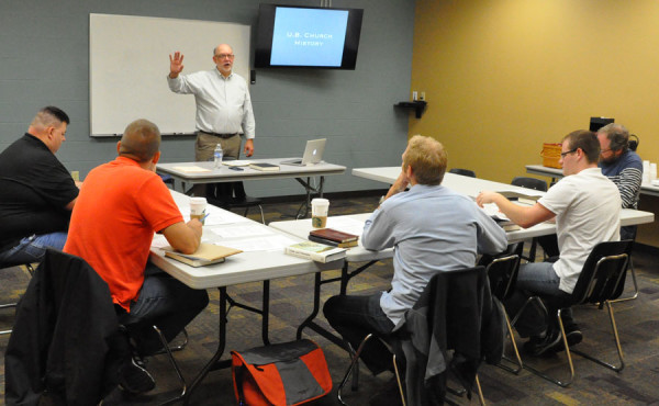 Bob Bruce teaching the May 20 class.