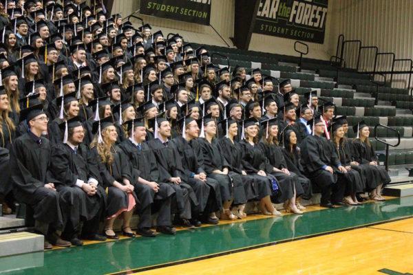 2016-hu-grads