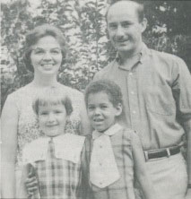 Alan and Marilyn Wright with daughters Carol and Joanne.