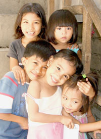 children_philippines_200.jpg