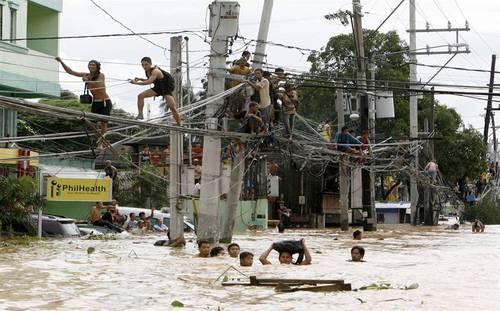 Manila- wires.jpeg